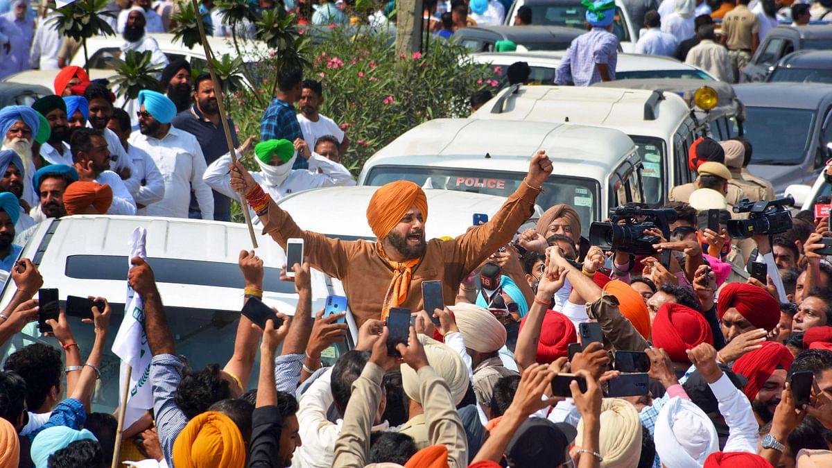 Lakhimpur Unrest: Navjot Sidhu, Punjab Cabinet Ministers Detained on UP Border