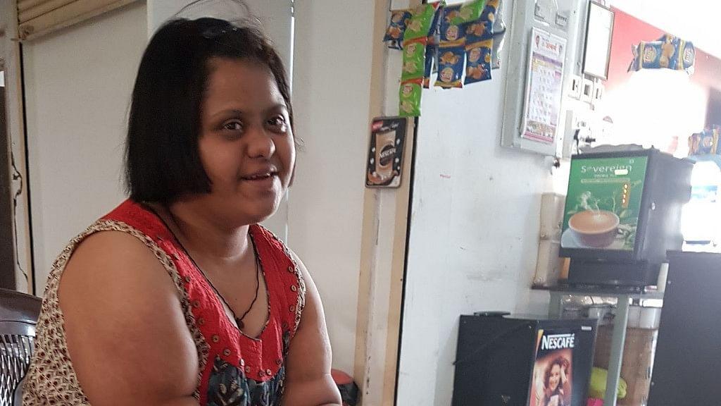 Aditi runs a small cafe in Navi Mumbai.