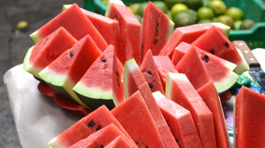 There a few versions of watermelon diet available online but primarily, there are two types, a short and a long one.
