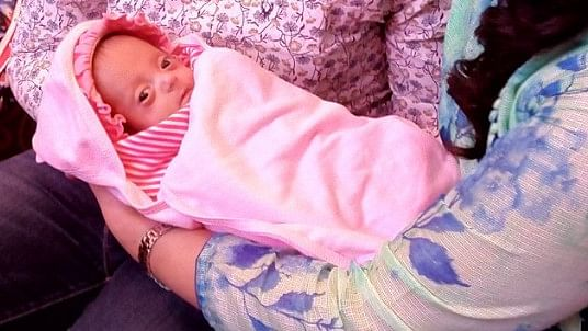 Smallest Baby Born? Baby Cherry Weighed Just 375 Grams at Birth