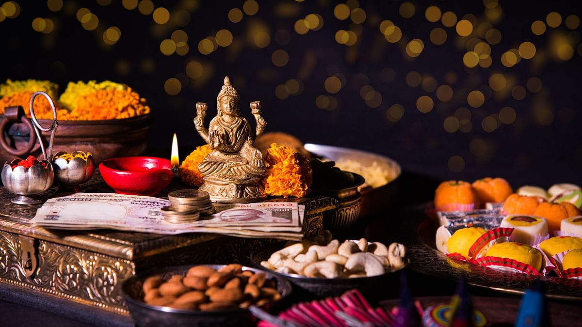 Happy Diwali! Have a Cracker of a Diwali, Without the Patakhas