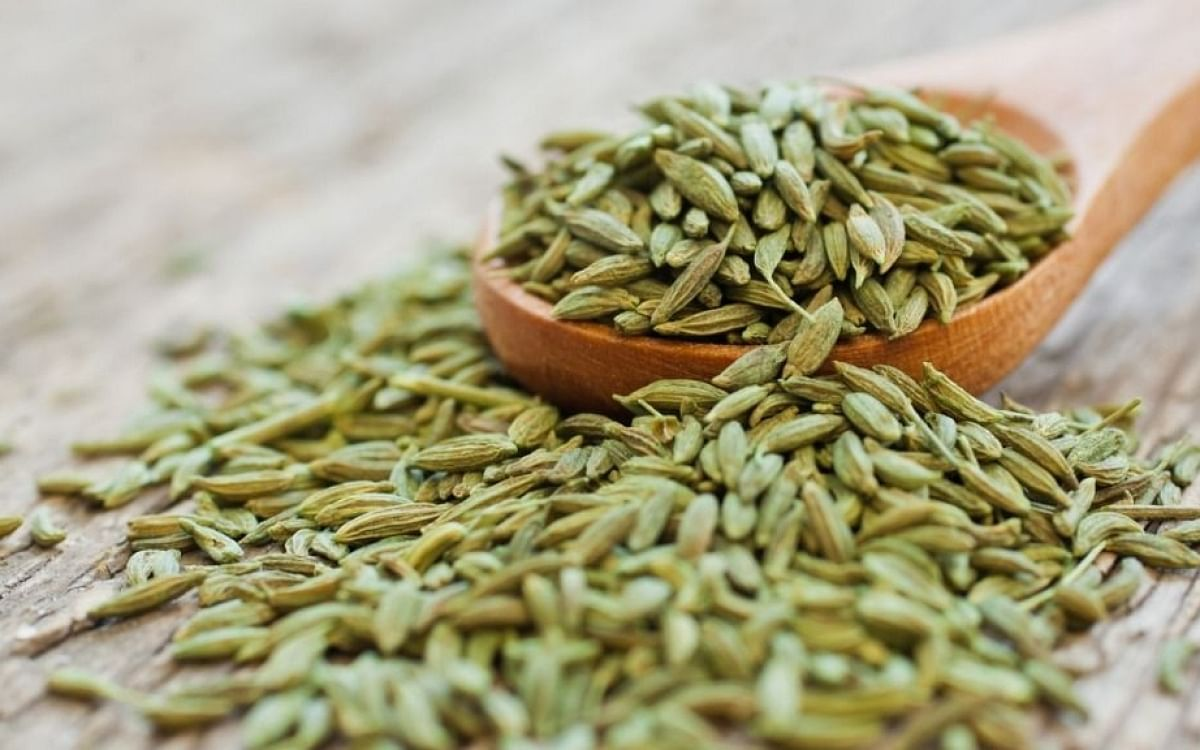 A mix of mulethi, saunf (fennel seeds) and mishri is good for dry cough.