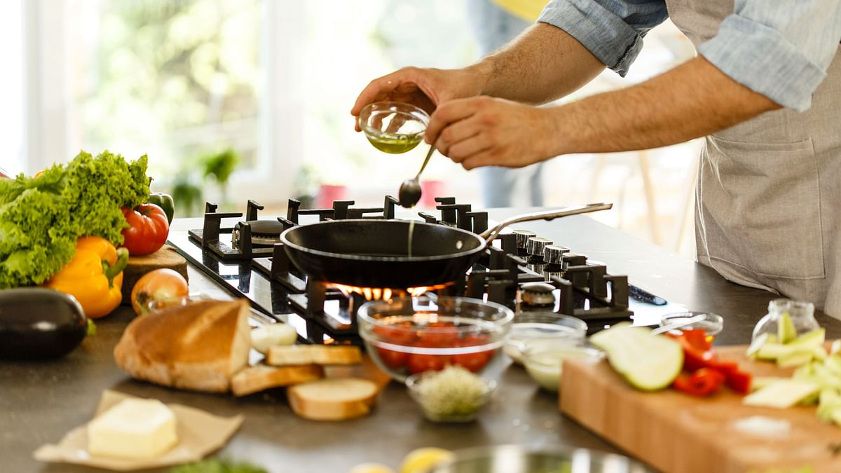 Why Cooking at Home Is Healthier Than Eating Out