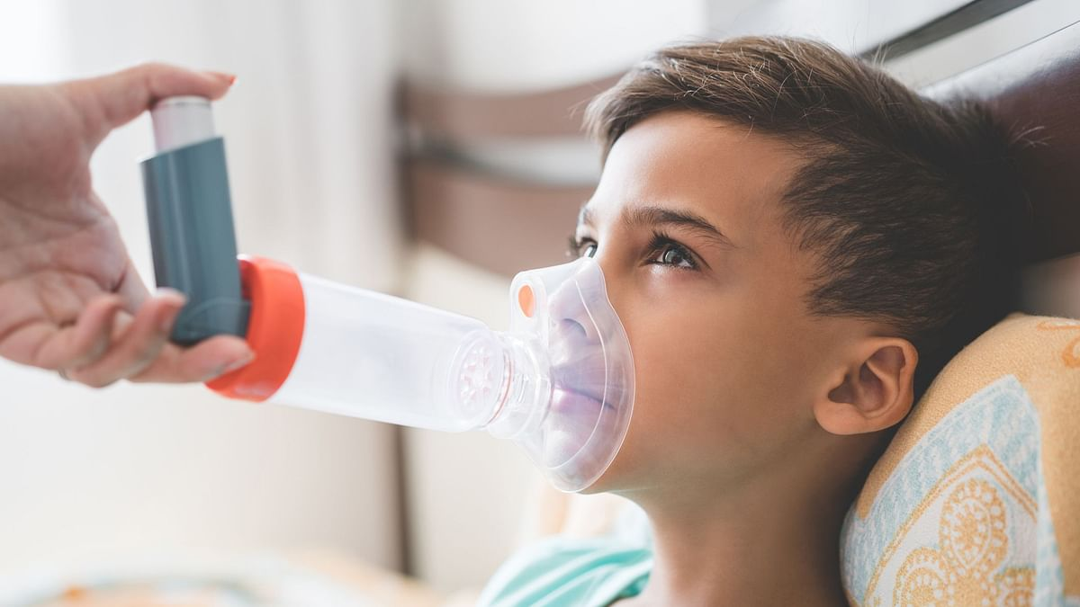 """In India, over <a href=""""https://www.thelancet.com/journals/langlo/article/PIIS2214-109X(18)30409-1/fulltext"""">5.5 crore </a>people live their lives struggling to breathe as they battle progressive lung diseases."""