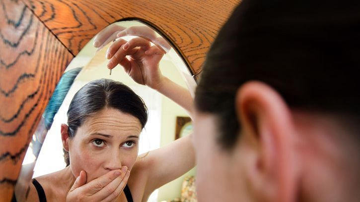 समय से पहले सफेद हो रहे हैं बाल?आयुर्वेदिक उपाय हो सकते हैं मददगार