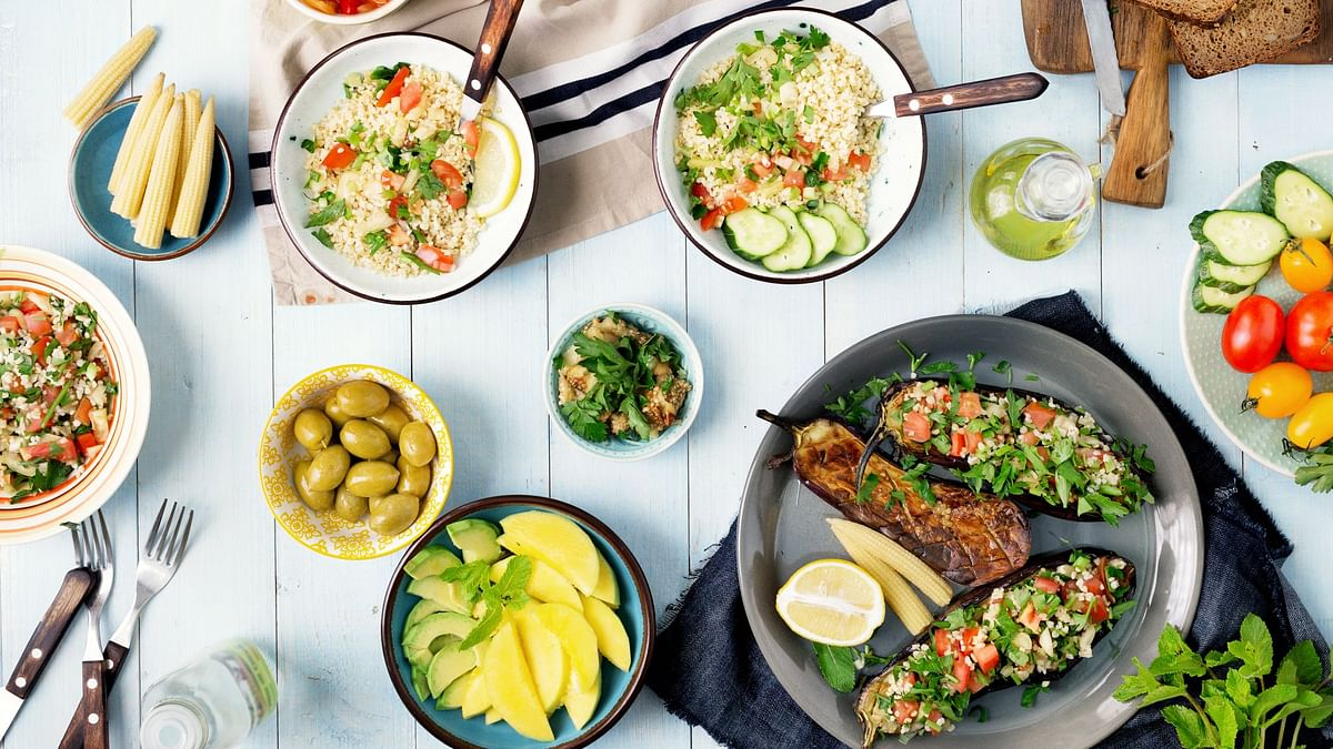 Lunch Hour? Try These Power-Packed, Light-On-The-Tummy Dishes