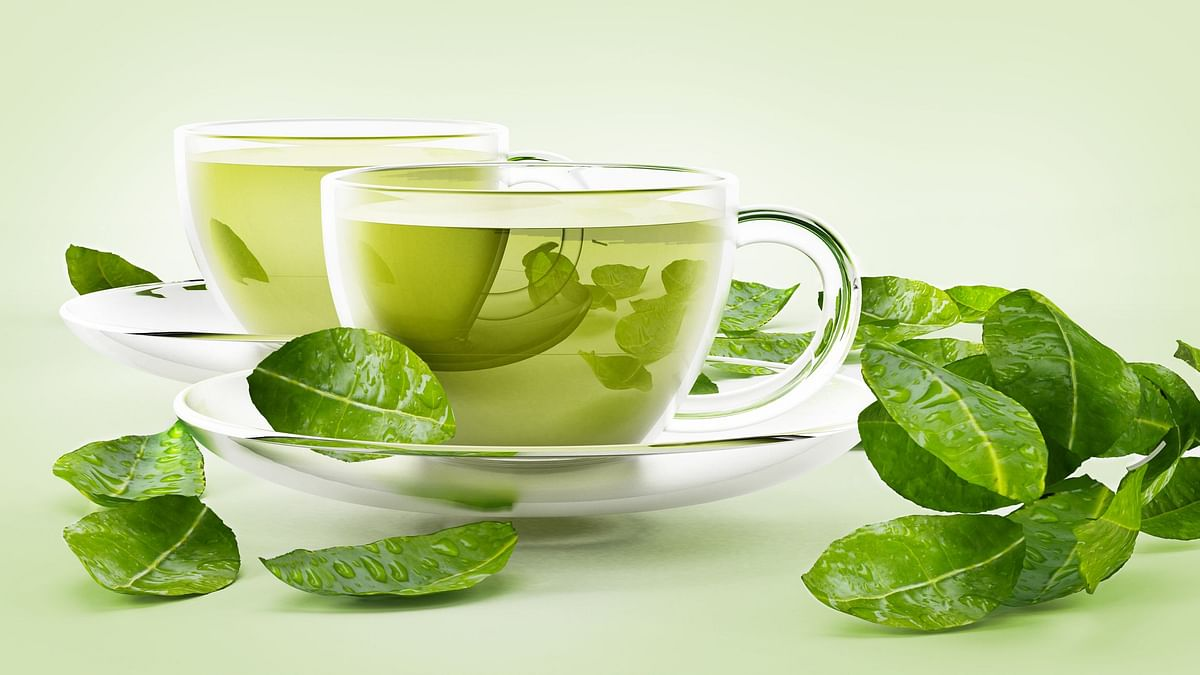 Green tea is exceptionally high in flavonoids which play a key role in maintaining heart health by lowering bad cholesterol and reducing blood clotting.