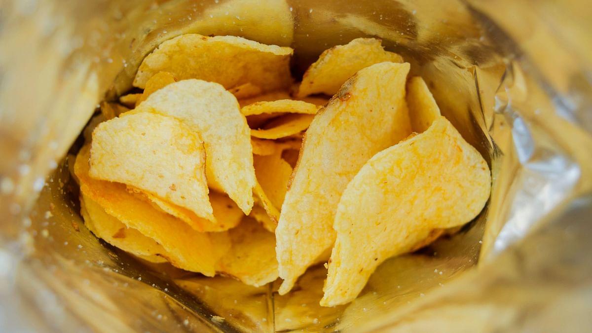 खाने की इन चीजों में खतरनाक स्तर तक इस्तेमाल हो रहा है नमक और वसा