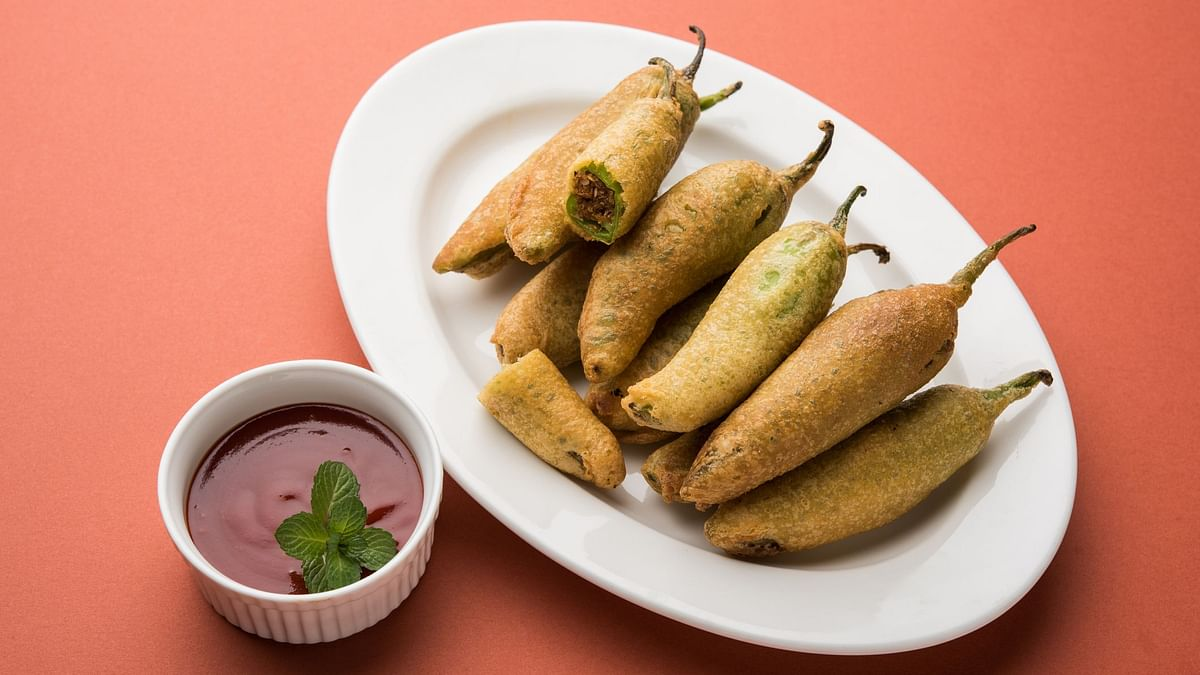 Love spicy food? Try this Rajasthani mirchi vada.