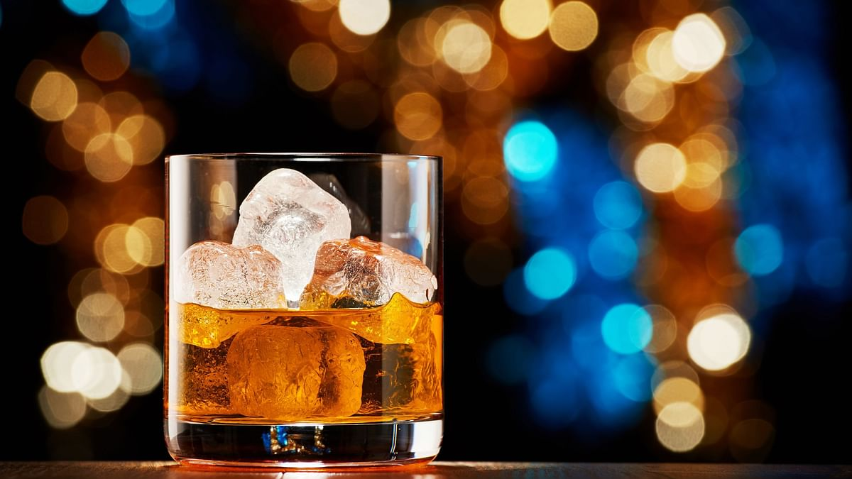What's the relationship between alcohol and the cold weather?