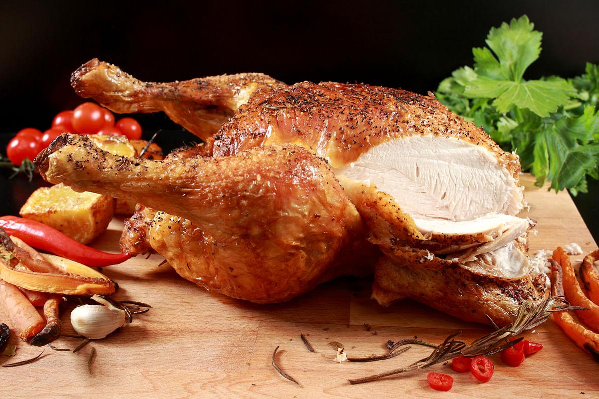 Carving Roast chicken