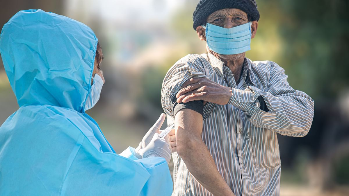 India's COVID Vaccination Count Falls by Over 11 Lakh Jabs: Report
