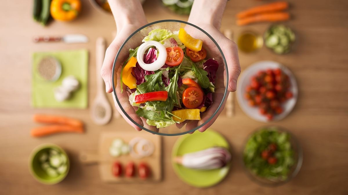 """<div class=""""paragraphs""""><p>Light dinner with soups and salads can help in weight loss.</p></div>"""