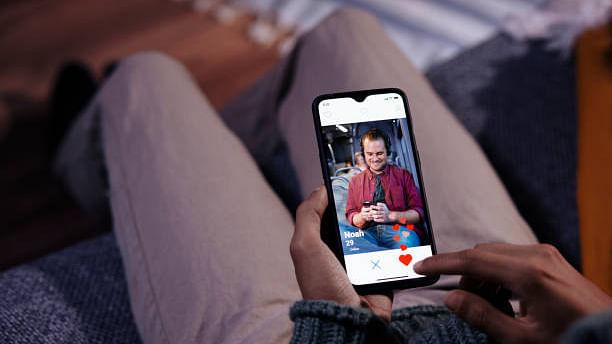 Sexolve 263: 'My Online Boyfriend Is Getting Intimate'