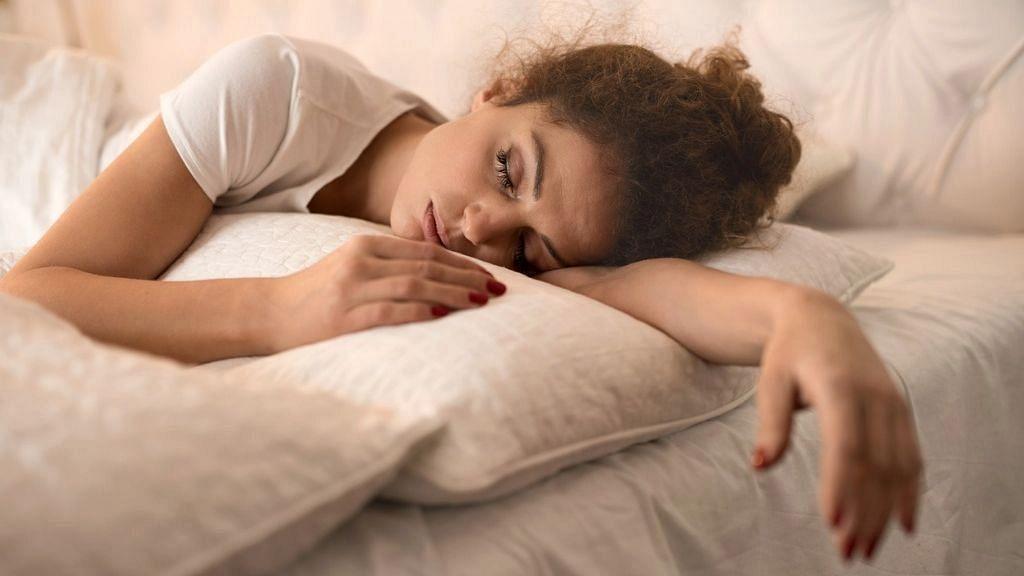 थकान, डिप्रेशन या इन्फेक्शन हो सकते हैं विटामिन D की कमी के लक्षण