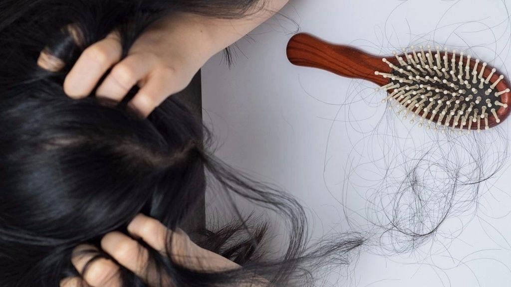 "<div class=""paragraphs""><p>Post Covid complication Hair loss:&nbsp;अगर बाल ज्यादा झड़ रहे हों, तो क्या करें?</p></div>"