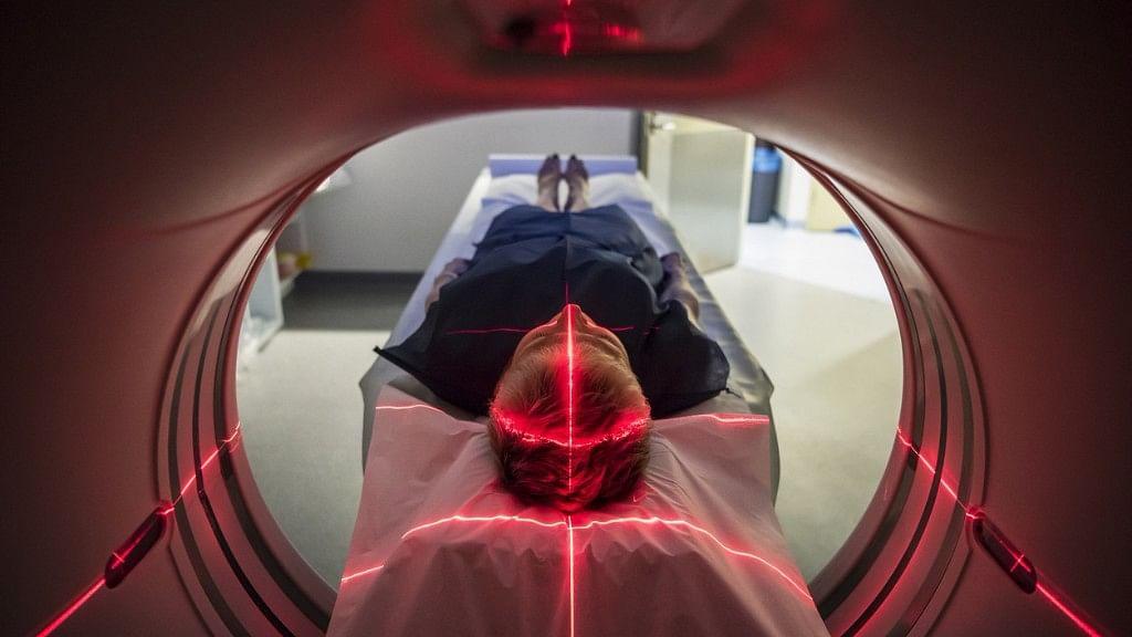 MRI, CT-स्कैन या X-Ray कराने जा रहे हैं, तो इन बातों का रखें ध्यान