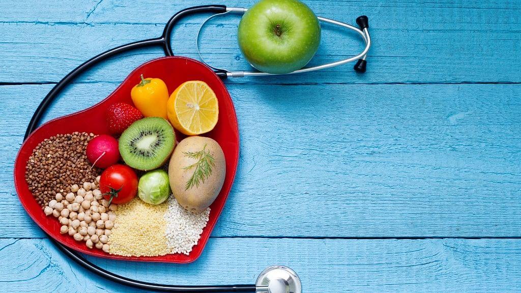 ऐसी कौन सी चीजें हैं, जिन्हें खाने से दिल की बीमारियों का रिस्क घटाने में मदद मिल सकती है?