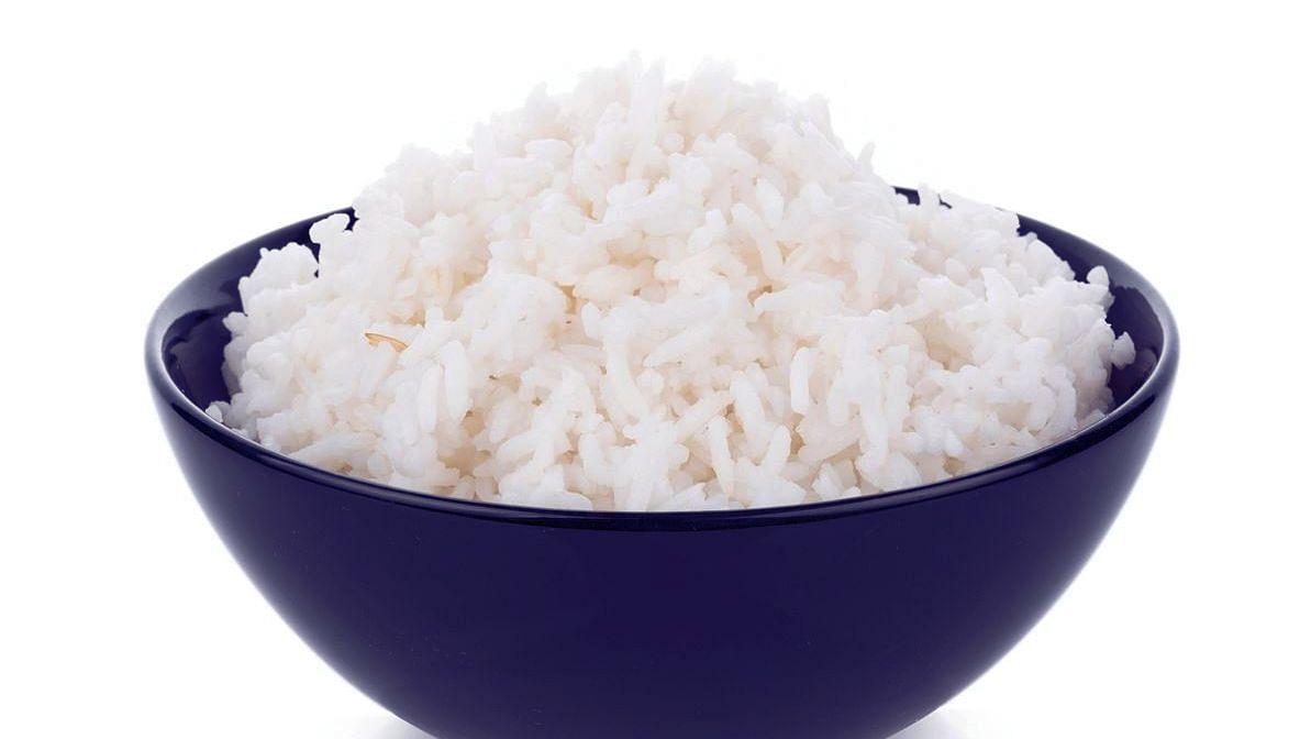 क्या चावल छोड़ कर घटाया जा सकता है वजन?
