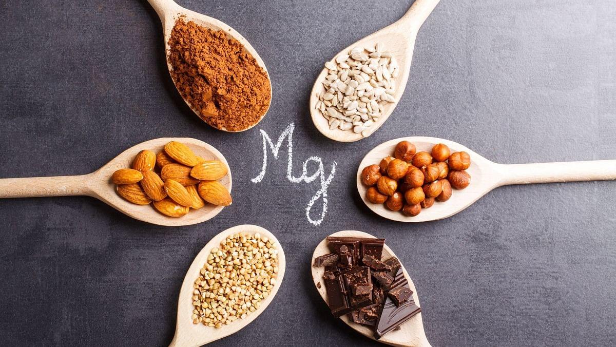 मैग्नीशियम सिरदर्द कम करने में महत्वपूर्ण भूमिका निभाता है.