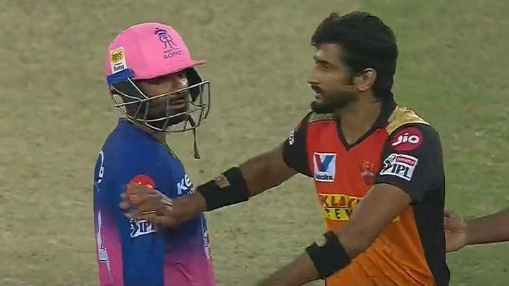 IPL 2020: Netizens Wonder What Happened Between Rahul Tewatia & Khaleel  Ahmed In The Last Over of The Game