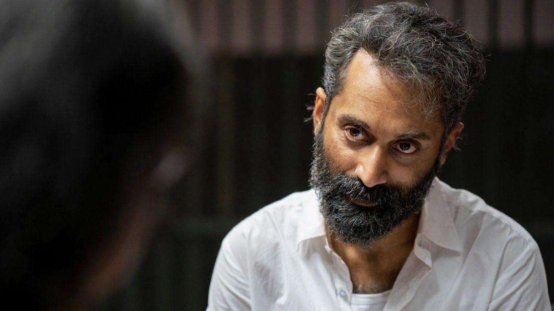 Malik Movie Review: Fahadh Faasil and Nimisha Sajayan's 'Malik' Is an  Intense, Grim Watch | Amazon Prime Film